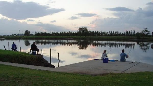 fishing-at-riverside park
